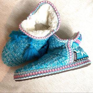MukLuks Knit Slippers Blue/Pink Snowflake 9.5-10.5